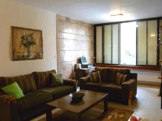 Centrally located near hotels with all amenities, Jérusalem