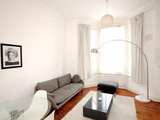 Find Luxury In This Gorgeous Two Bedroom Apartment, Londres