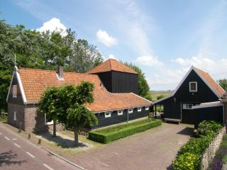 Farmhouse villa by the water, Grootschermer
