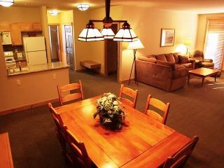Rare 3 Bedroom/2 Bathroom Ski-in, Ski-out at Sunstone Lodge, Mammoth Lakes