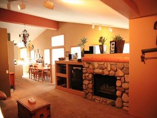 3 Bedroom/3 Bathroom, Phase 5 Unit, Premiere Property, Yards to Golf Course, Mammoth Lakes