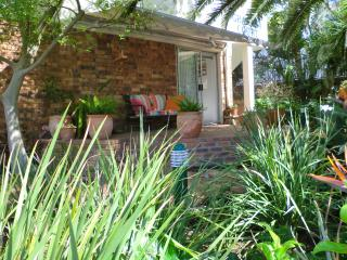 Cutest garden flat in the best part of the city!, Cape Town