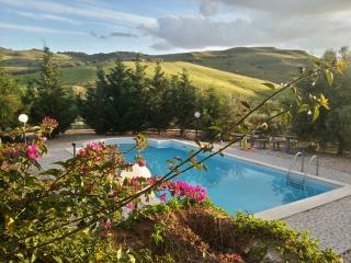 countryhouse with pool, Catania