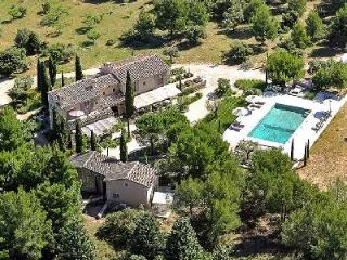 Traditional Provencal Farmhouse Chez Jean Claude with Private Pool, Tennis Court & Maid Service, Eygalieres