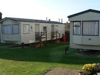 The Leas Beach Park, Caravan 3, Bacton
