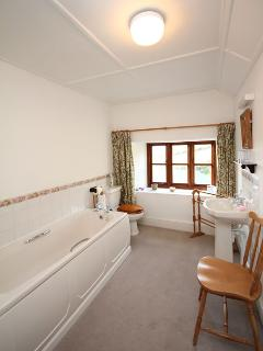 Handley Cottage Family Bathroom