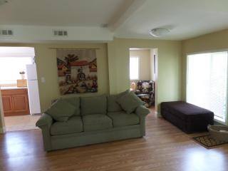 Cambridge Suites - minutes from Crystal Beach!