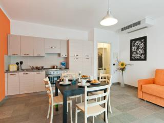 Helianthus  Residence - Ground Floor Appartments, Verbania