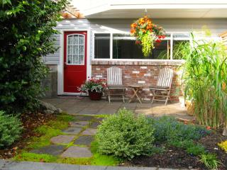 Private,Self-Catered 1 Bedoorm Apt w full kitchen, Nanaimo