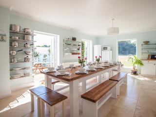 Broomfield House , coastal home  with parking, Brighton and Hove