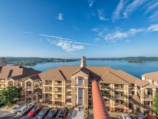 2 Bedroom Condo Westgate Lakes at Emerald Pointe, Hollister