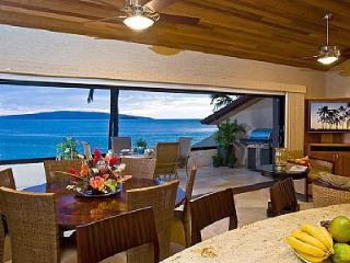 AMAZING OCEANFRONT LUXURY 3BED/3BATH MAKENA CONDO, Kihei