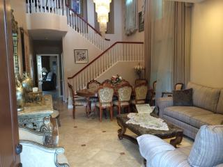 Super Deluxe Furnished Home Minutes from Spectrum, Irvine