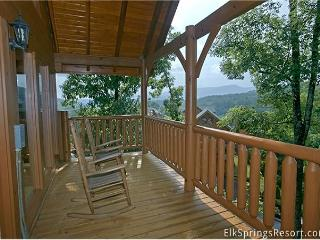 Romantic 1 Bedroom Special Getaway Cabin With Media Room, Screen Porch, Pigeon Forge