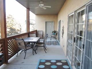 *3 BR, 2 Bath Table Rock Lakefront Condo (No Dock Acccess), Hollister