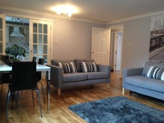 Two Bedroom Serviced Apartment (2), Glasgow
