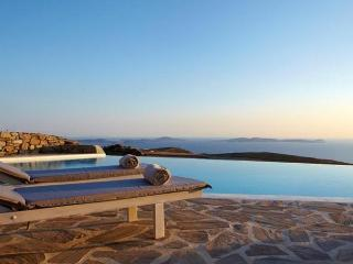 Star Jasmine-Stylish villa with sea vew and pool, Mykonos Town