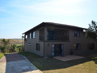 Spacious 4 Bedroom D/Storey House South Coast one hour from Durban, Elysium