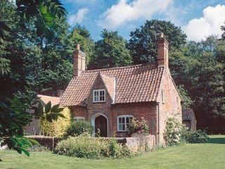 LAUNDRY COTTAGE, Melton Constable