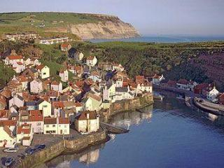 CROW'S NEST, Staithes