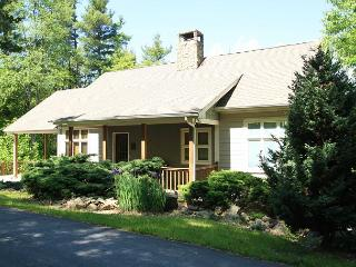 Sunset West gorgeous timber frame home with 3 bedrooms and ping pong, Blowing Rock