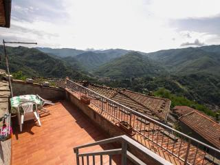 Tosca House with Beautiful View on Bagni di Lucca