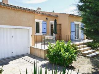 Delightful 2 bedroom house in Apt, Provence