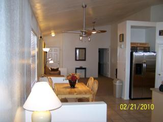 Newer remodeled, open floor plan, very clean home, Apache Junction