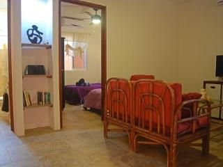 Cozy, Central 2 Bedroom Ground Fl Apt, Near Beach, Puerto Morelos