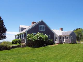 Peaceful Up-Island Classic with Waterviews 116670, Chilmark