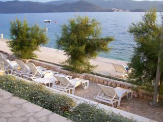 First line sea view apartment in Dubrovnik Riviera, Komarna