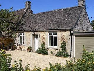 PINECONE COTTAGE, Cirencester