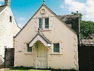 GINGERBREAD COTTAGE, Cirencester