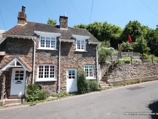 Stag Cottage, Porlock - Charming cottage with character in Porlock village on Exmoor