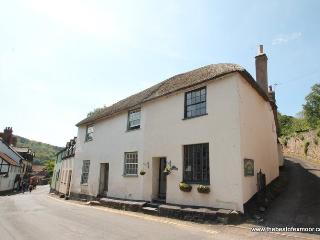 Thyme Cottage, Dunster - Sleeps 6 - Exmoor National Park - Medieval Village