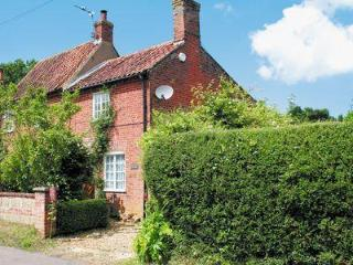 BUMBLE BEE COTTAGE, Melton Constable