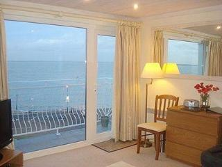 FLAT 6 QUAY WEST, Cowes