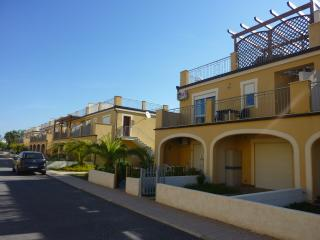 Bella Apartment, fully air conditioned with parking.