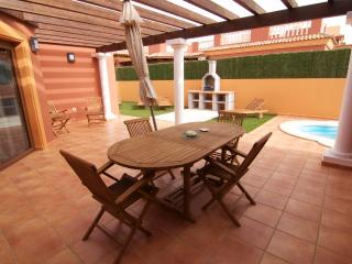 set of 5 villas located in the same place Corralejo.villas luxury 3 bedroom with private pool and pool heater