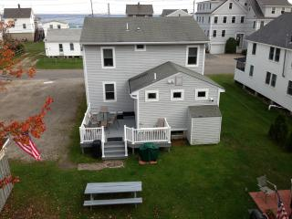2 homes close to beach. Ideal for family reunions., York