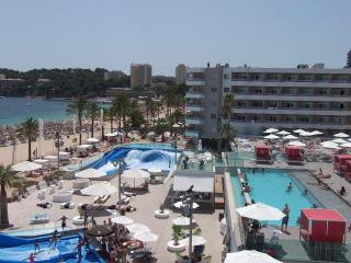Magaluf Beach!! Can sleep 6. Sol Wavehouse Apt