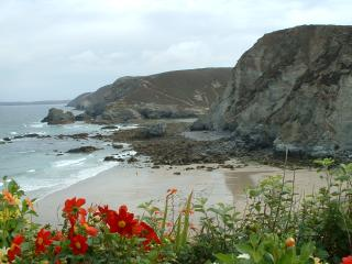 Our nearest beach at Trevaunance Cove has lifeguards.Cafes,craft shops, toilets nearby and an Inn.