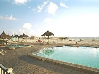3Br On The Beach**PERFECT FOR A FAMILY VACATION*, Indian Shores
