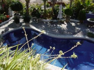 CABO VILLA  4 bdr La Jolla   gated ,walk to beach, Cabo San Lucas