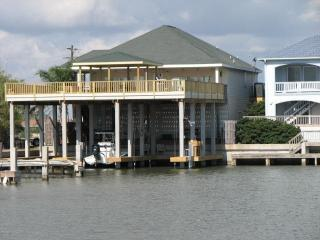 waterfront with piers/boat slips,Port Mansfield Tx
