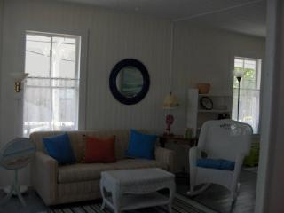 BEAUTIFUL COASTAL COTTAGE WITH OCEAN VIEW!, Old Orchard Beach