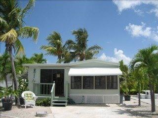 TROPICAL VACATION--CUDJOE KEY, MM 23, Cudjoe Key