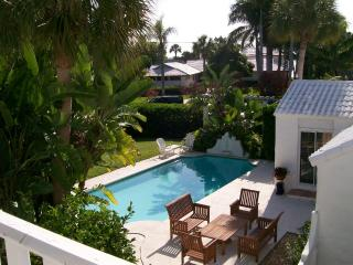 Walk to beach & St Armand's Circle !!!, Sarasota
