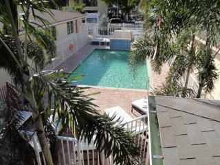 2BR Villa by Ocean,Beach,Pier,Brand New pool, Lauderdale by the Sea