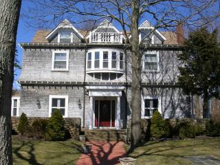 Large Home with private yard walk to Town, Beaches, Oak Bluffs
